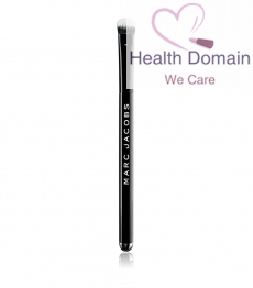 The Conceal Full Cover Correcting Brush